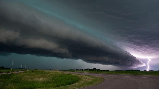 とある現象(黒雲と雷)image
