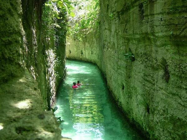 泳げる鍾乳洞(メキシコ)image