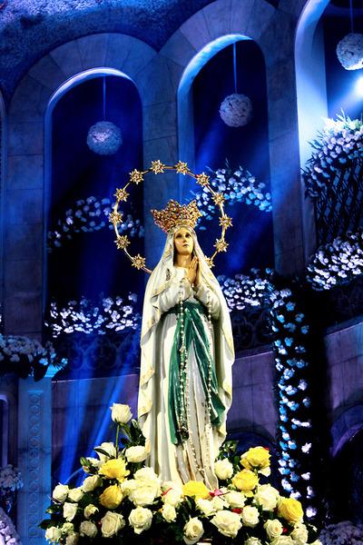 ルルド(花と聖母像)image