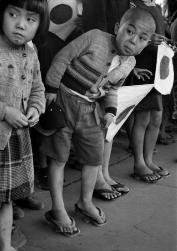 皇室(行幸のときの子供)image