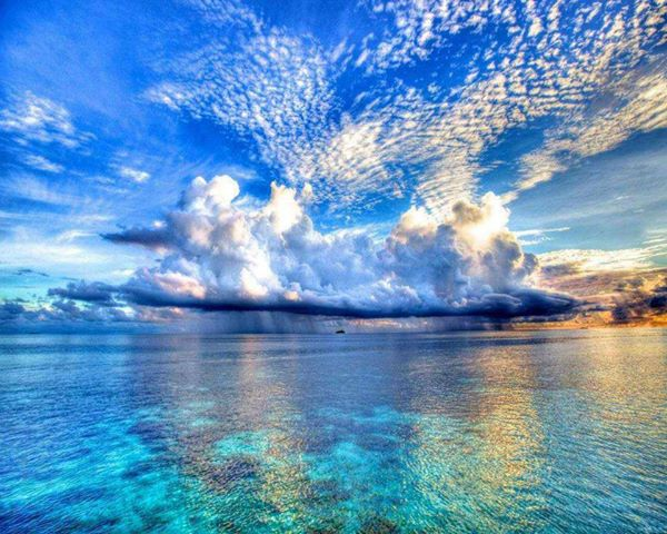 海と雲の情景image