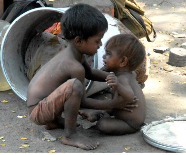 人として(インドあたりの子供たち)image