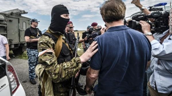 赤いマフィア(親ロシア派の兵士とメディア)image