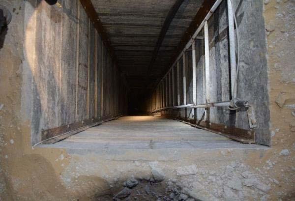 戦闘のなかで(2014年7月20日発見のトンネル開口部はガザ)image_convert_20140723221407