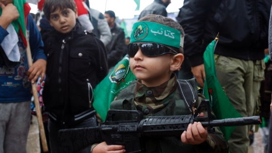 戦闘のなかで(ハマスのガザキッズimage