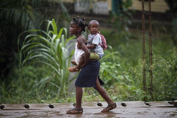 エボラ(アフリカの子供)image