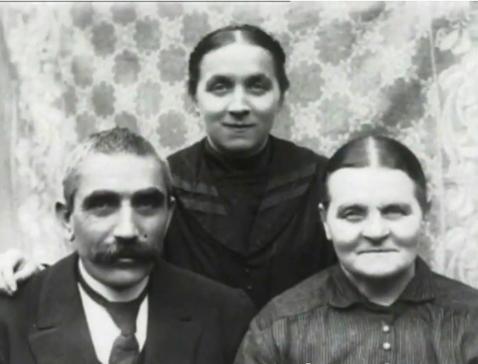 聖痕(テレーズの両親と一緒に)image