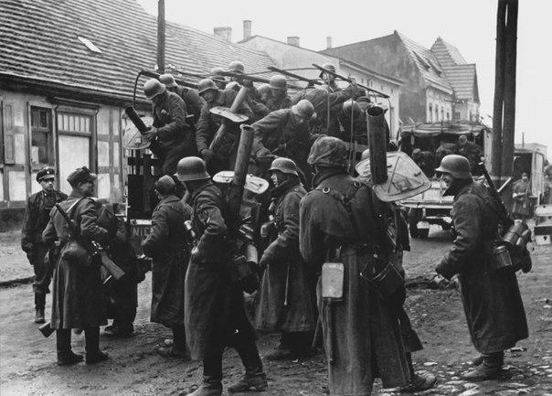 聖痕3(1945年代のナチス)image