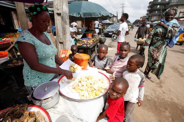 エボラ2(2014年8月7日ナイジェリアのラゴスで)image