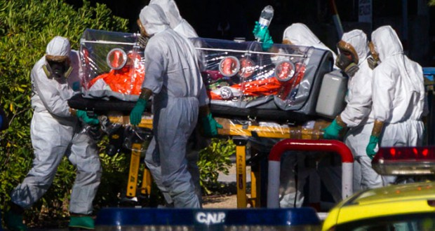 エボラ2(スペイン人神父さんの搬送)image