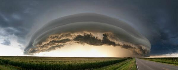 異常気象(くらげのような雲)image