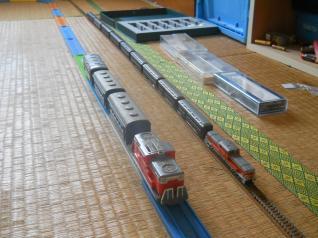 Nゲージとプラレールの客車列車