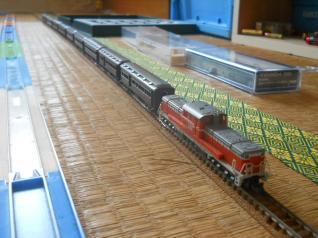 Nゲージの客車列車