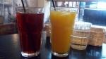 セットの紅茶とオレンジジュース