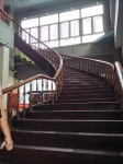 この階段を登る