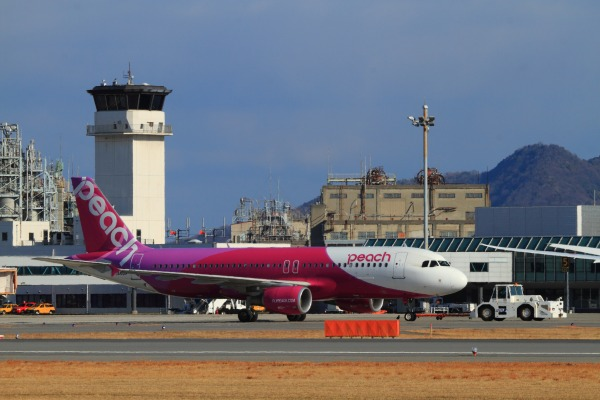 MM A320-214 JA801P RJOM 140212 03