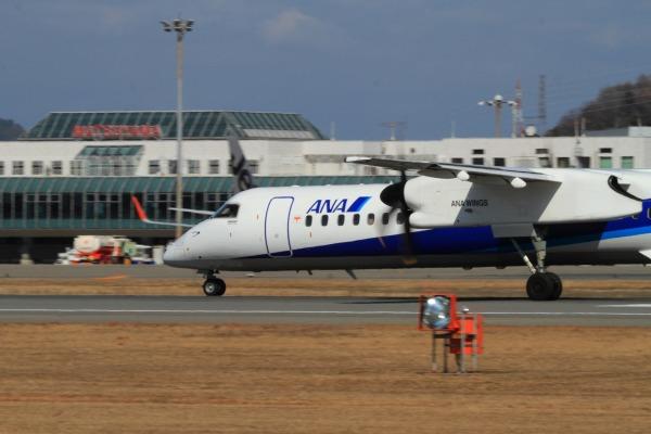 EH DHC-8-402Q JA462A RJOM 140212 08