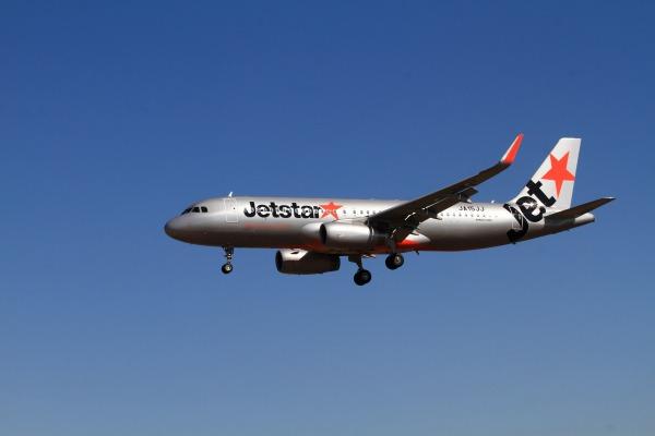 GK A320-232 JA15JJ RJOM 140212 02