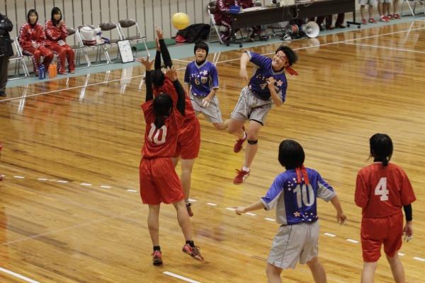 高校ハンド一年生大会女子準決勝今西-今北 140216 04