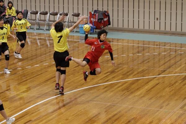 高校ハンド一年生大会女子決勝今西-松商 140216 01