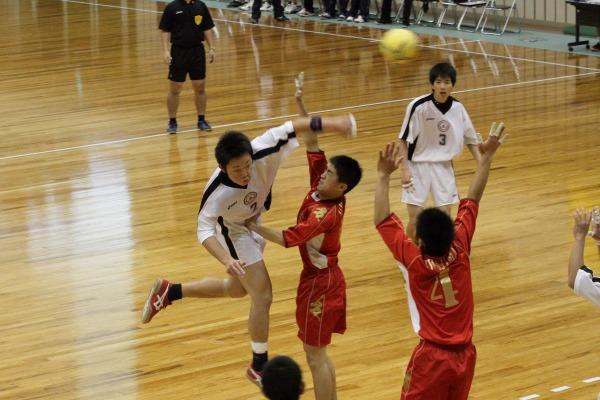 高校ハンド一年生大会準決勝新田-宇南 140216 03