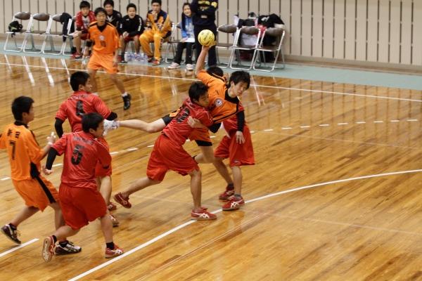 高校ハンド一年生大会決勝新田-今西 140216 03