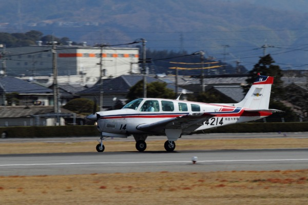 航空大学校 Beachcraft A36 JA4214 RJOM 140306 02