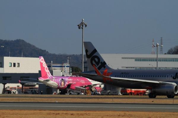 MM A320-214 JA805P 140308 01