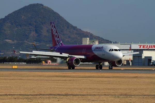 MM A320-214 JA811P RJOM 140311 02