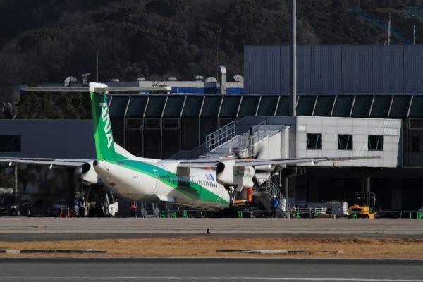 EH DHC-8-402Q JA857A 140311 01