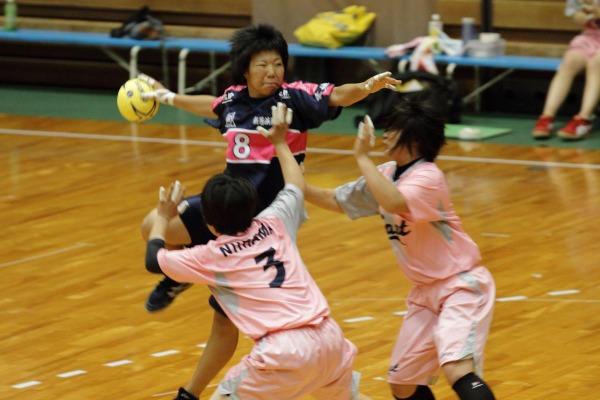 愛媛県高校総体ハント ゙女子1回戦 新東-新商 140531 01