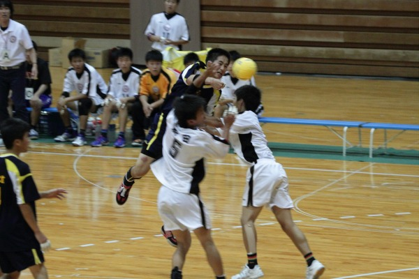 愛媛県高校総体ハント ゙決勝 松工-新田 140602 03