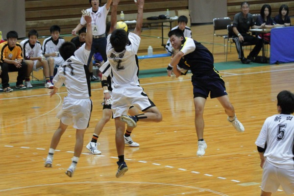 愛媛県高校総体ハント ゙決勝 松工-新田 140602 06