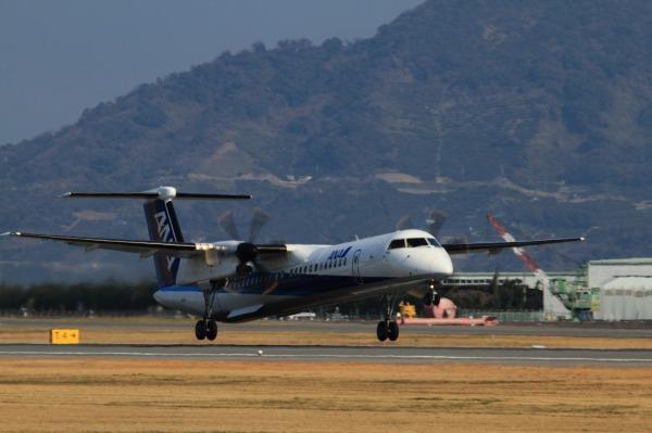 EH DHC-8-402Q JA825A RJOM 140315 01