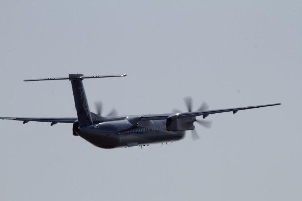 EH DHC-8-402Q JA825A RJOM 140315 04