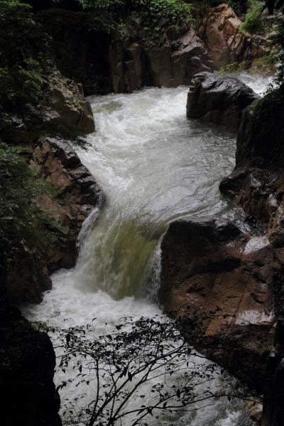 河之内音田 雨滝 140622 01