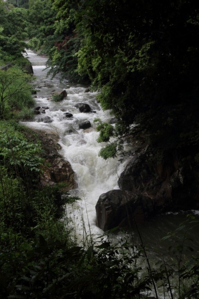 河之内音田 雨滝 140622 04