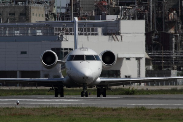 XM CRJ-200ER JA201J RJOM 140504 01