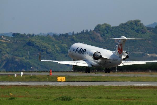 XM CRJ-200ER JA201J RJOM 140504 05