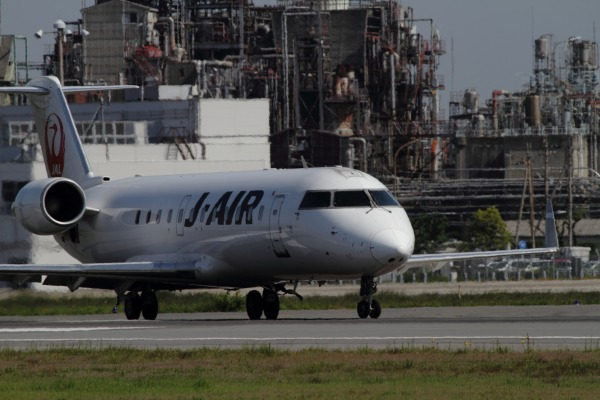 XM CRJ-200ER JA201J RJOM 140504 02