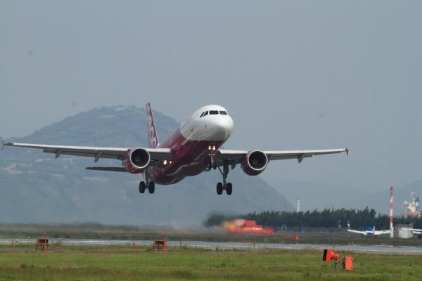 MM A300-214 JA805P RJOM 140517 04