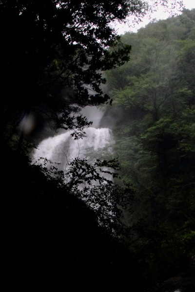 白猪の滝・台風11号 140810 09