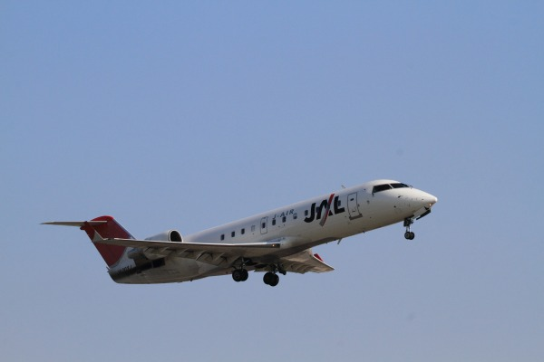 XM CRJ-200-ER JA203J RJOM 140328 02