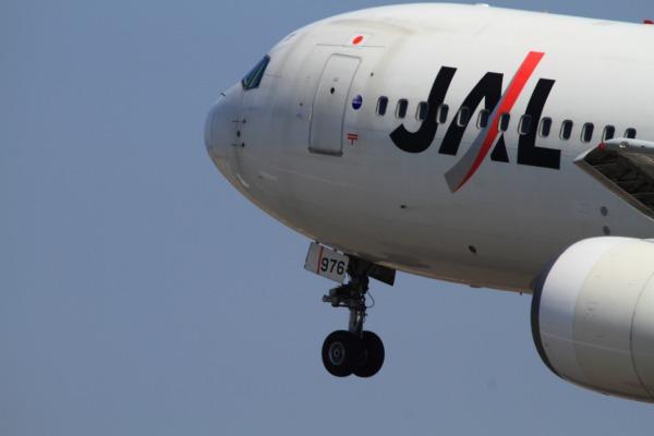 JL B767-346 JA8976 RJOM 140328 05