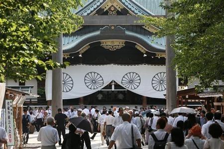 yasukuni_sanpai.jpg