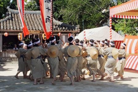 宮鳥・婦人会の奉納踊り