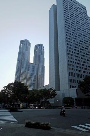 都庁と京王プラザH