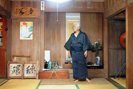 新川・入嵩西家一番座と当主