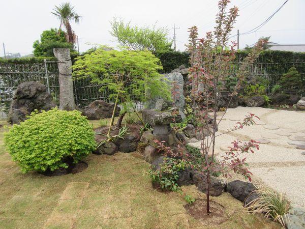 和庭と芝庭完成