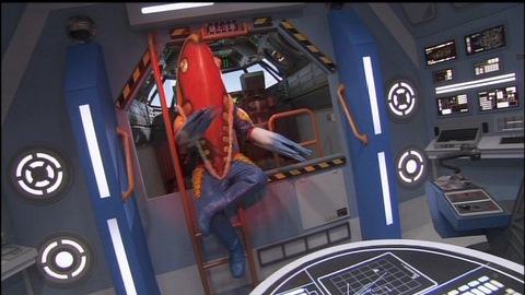 スペースペンドラゴンの中でレイを挑発するメトロン星人(RB)